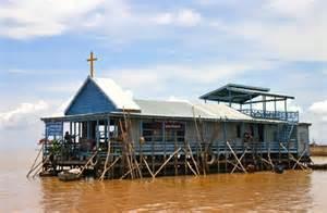 Eglise sur pilotis (Cambodge)