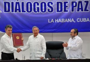 Signature des accords à Cuba