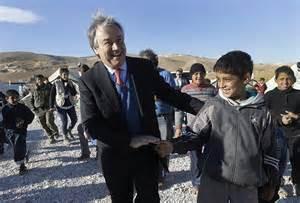 A. Guterres alors qu'il était haut-commissaire aux réfugiés.
