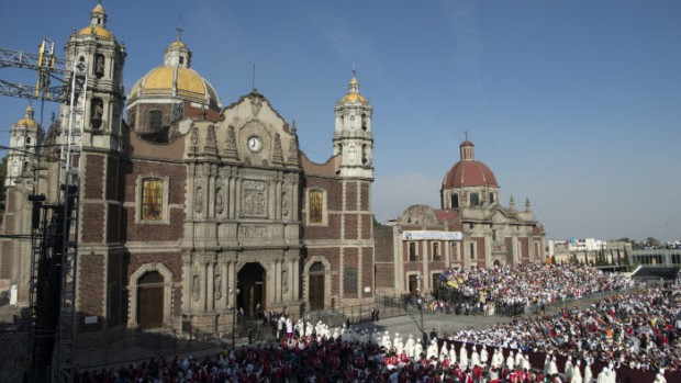 ND de Guadalupe à  Mexico  EDITORIAL USE ONLY. NOT FOR SALE FOR MARKETING OR ADVERTISING CAMPAIGNS. February 13, 2016:  Pope Francis celebrates Mass at the Basilica of Our Lady of Guadalupe in Mexico City, Mexico.