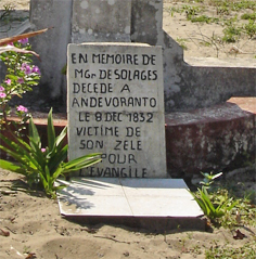 Pierre tombale de Mgr de Solages
