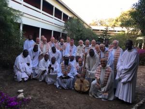Les évêques de la CERNA avec les moines de Keur Moussa