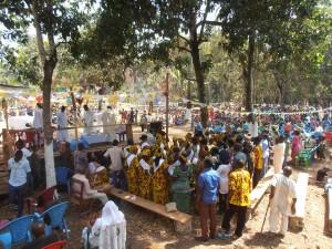 Célébration à St. Louis, hameau de la paroisse de Mongo