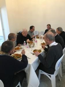 Evêques-deux-rives-de-la-méditerranée_repas-en-commun
