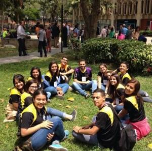 réalité vénézuélienne : jeunes volontaires