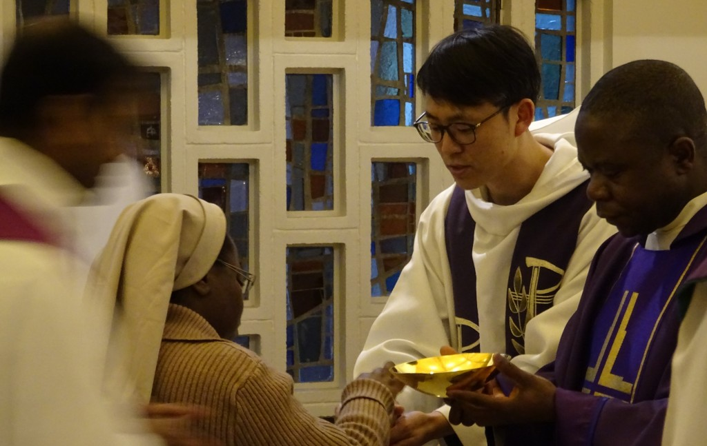 Préparer le retour : prêtres étrangers en mission en France