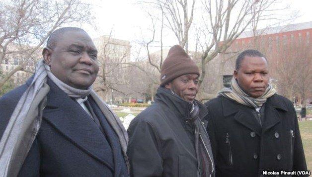 Le pasteur Nicolas Guérékoyame Gbangou, l'imman Omar Kobine Layama et le cardinal Dieudonné Nzapalainga, à Washington, où ils sont venus pour recevoir un prix.