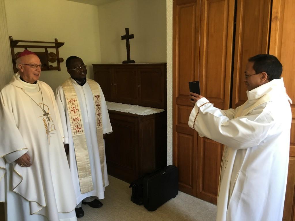 Photo avec l évêque