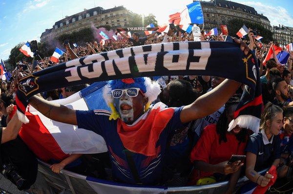 FFFFF- Mondial de football 2018 - Supporteurs français lors de la demi-finale France-Belgique à Paris, le 10 juillet