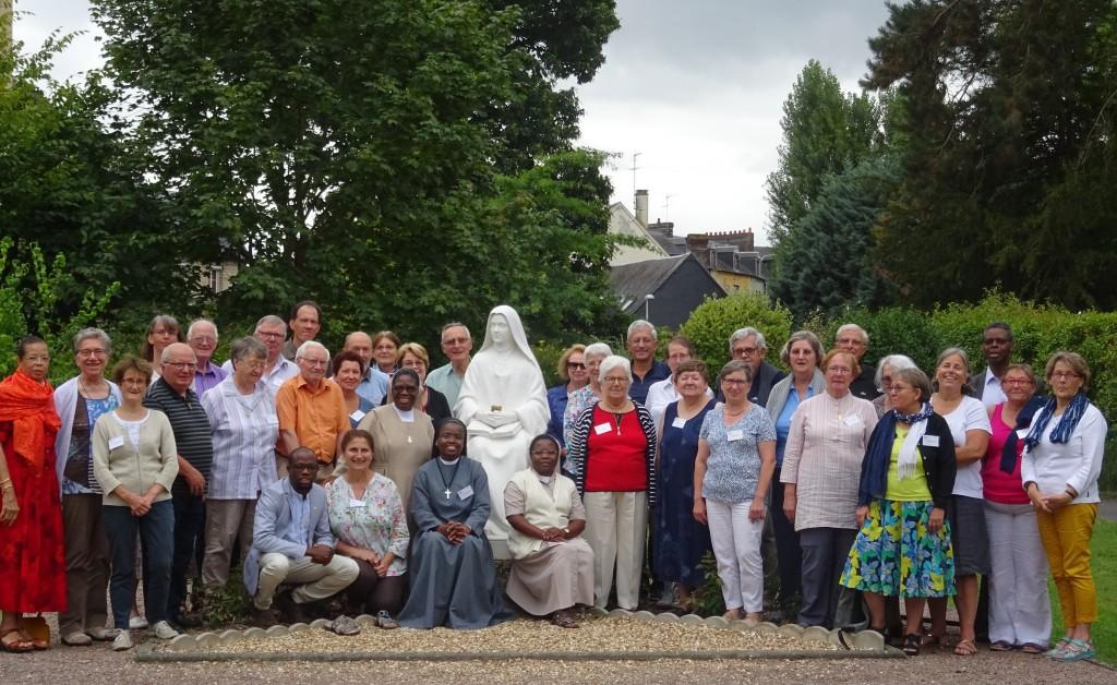 Université d'été 2018. Photo des particiapnts autrou de Sainte Thérèse