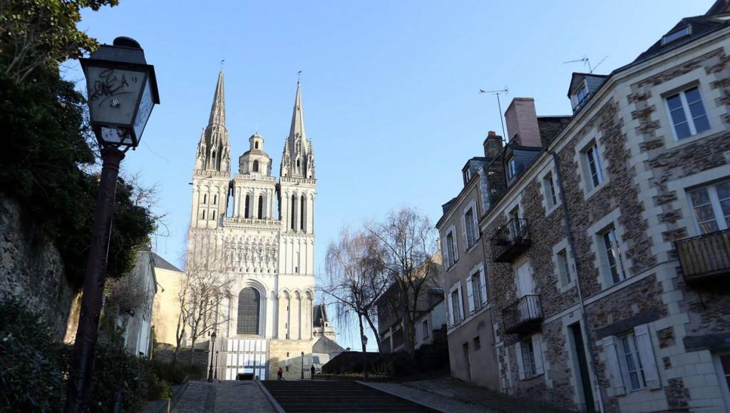 Orientations missionnaires du diocèse d'Angers. Cathédrale d'Angers
