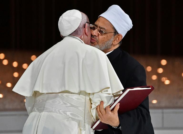 Abu Dhabi : une fraternité humaine en actes. Le pape et l'imam d'Al Azar, Ahmad Al-Tayyeb.