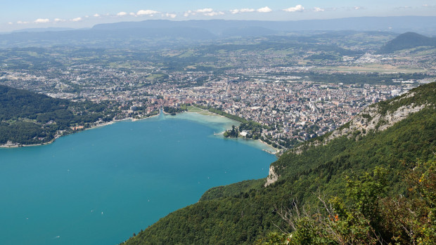 Annecy et son lac.