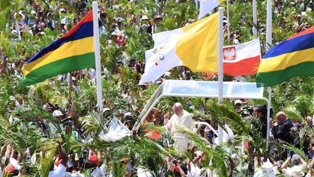 Le pape François lors de sa visite à l'Île Maurice.