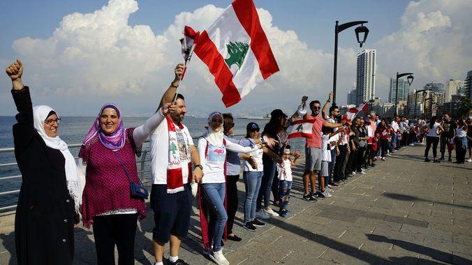 Liban2019_Chaine-Humaine. Liban du monde  : chaîne humaine de 170 kilomètres en solidarité de la contestation.