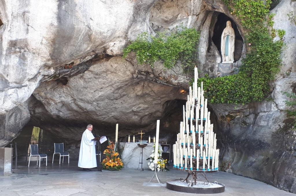2020.04.21_Lourdes-Grotte. Lourdes au temps du confinement.