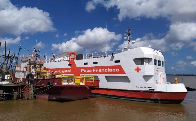 """Un navire-hôpital """"Papa Francisco"""" de service et de miséricorde."""